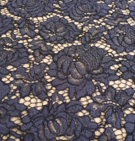 Bluish grey cotton polyester chantilly lace fabric . Photo 4